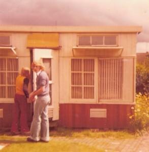 Het Oude hok thuis van mijn vader 1973 samen met broertje  Jan en ikzelf.